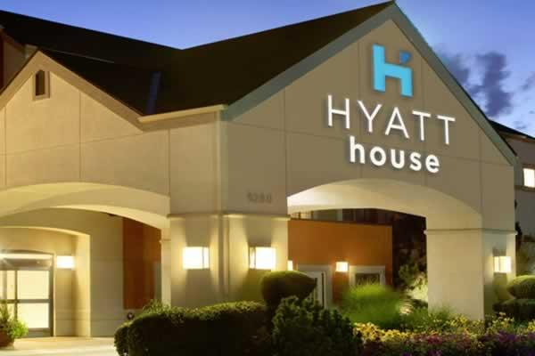The Hyatt House – Boston/Waltham is conveniently located near many attractions, companies, and educational institutes.